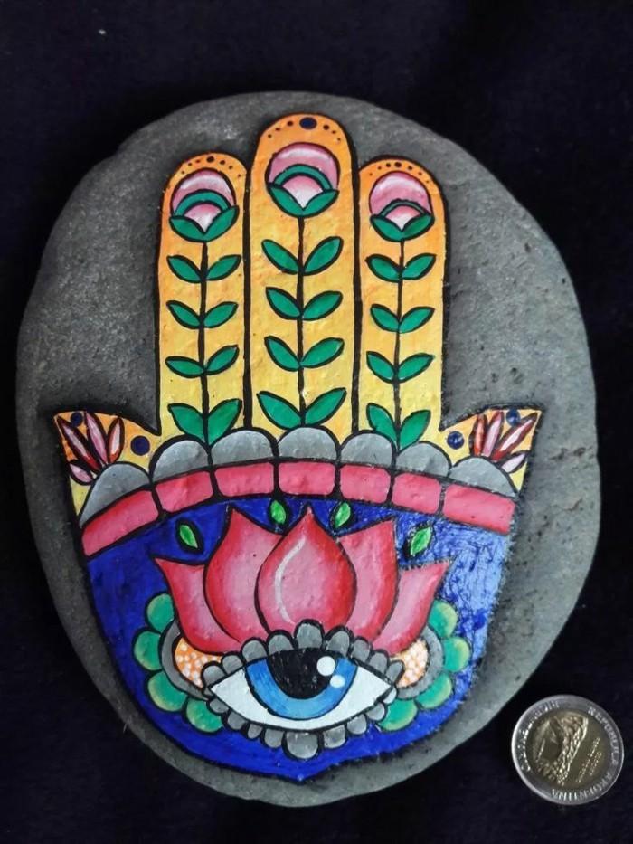 hand der fatima motiv steine bemalen idee