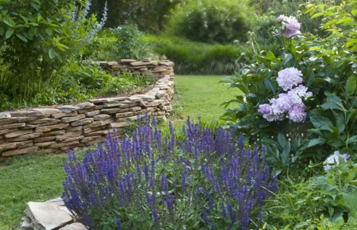 hochbeete-und-naturgarten-im-trend