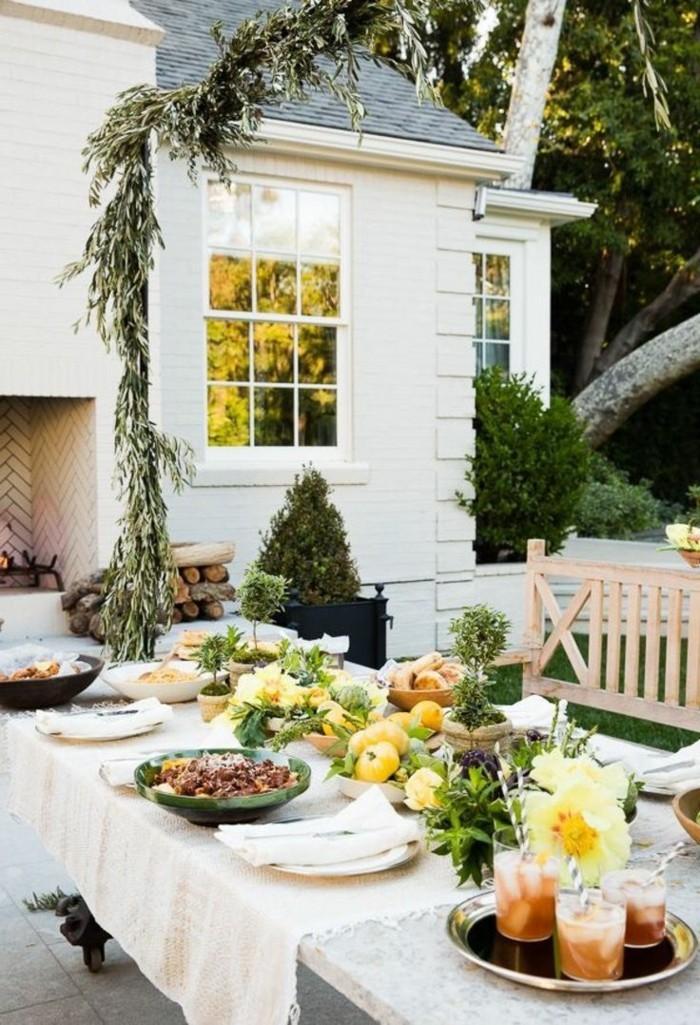 hygge stil im sommer gartenparty organisieren für familie und freunde