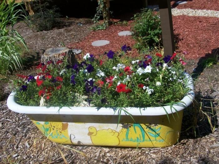 ideen für den garten ausgefallene pflanzenbehälter für den außenbereich