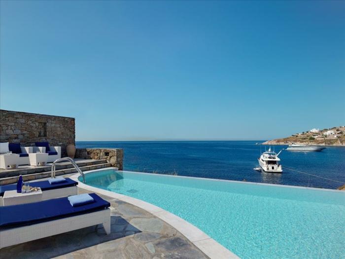 infinity pool auf Mykonos griechenland