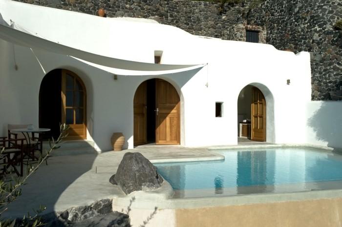 infinity pool in griechenland perivolas hotel