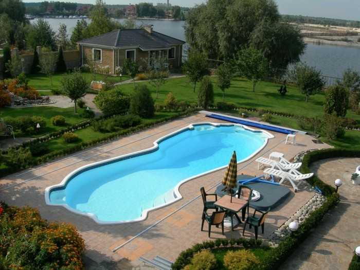 innenhof-schwimmbad