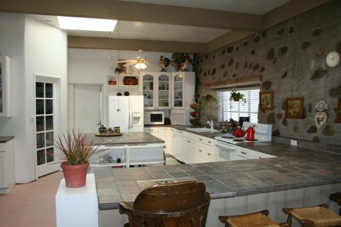 küche l-form mit ausgefallener wandgestaltung