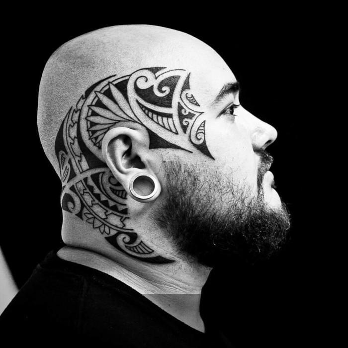 kopf tattoo maori tribal motive männer tätowierung