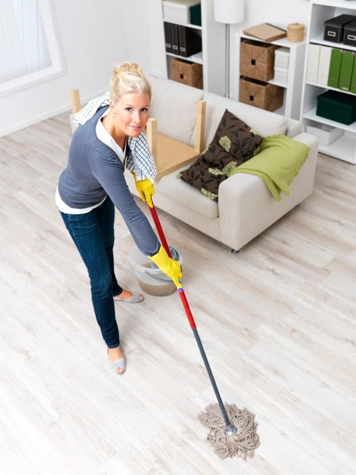 laminat pflegen wie kann man kratzer im laminat entfernen. Black Bedroom Furniture Sets. Home Design Ideas