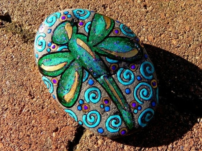 libelle malidee steine bemalen motive