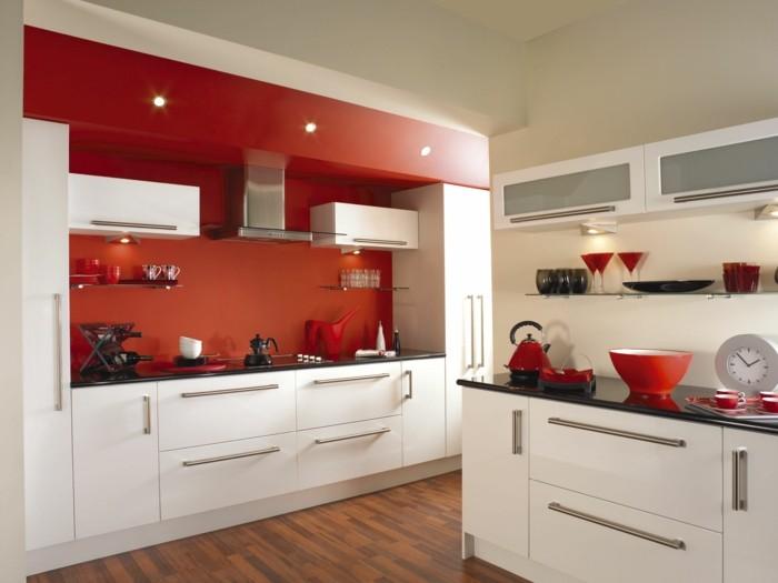 moderne küchen kleine küche mit roten akzenten