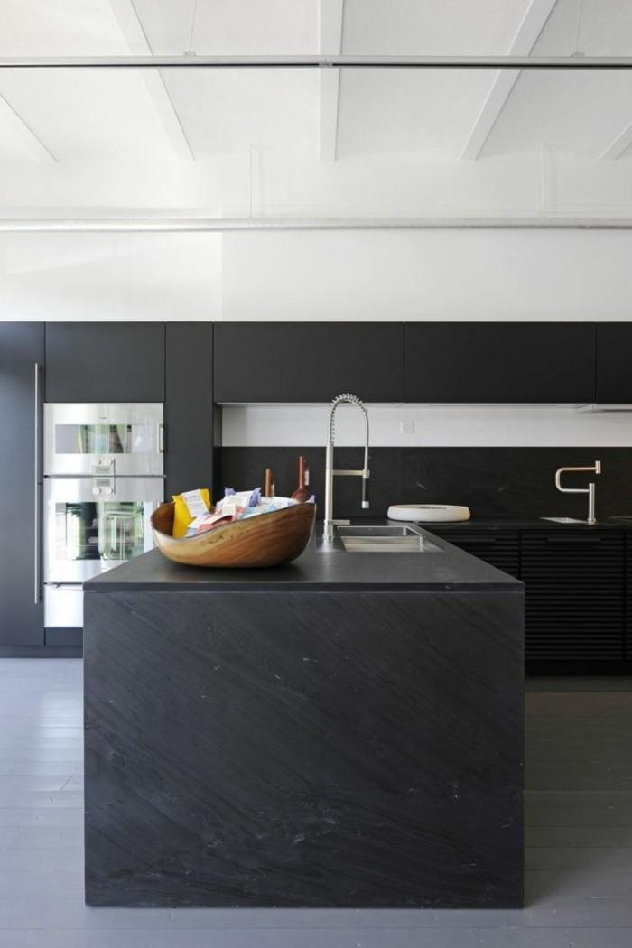 moderne küchen schwarz matt für die küchenmöbel und hellgrauer bodenbelag