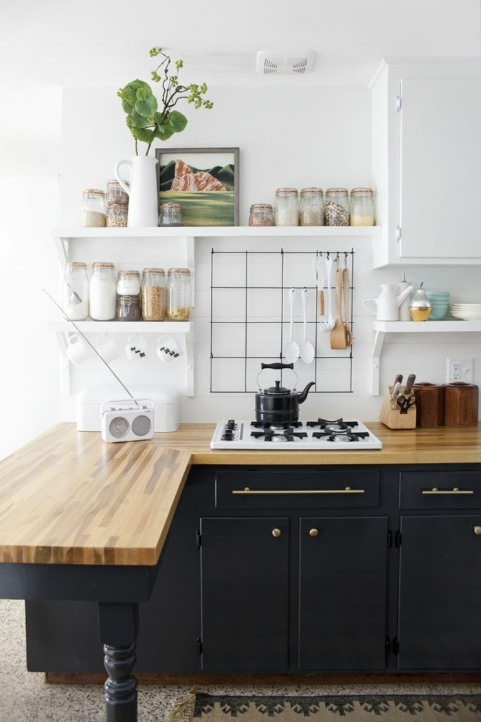 moderne küchen schwarze küchenschränke hölzerne arbeitsoberfläche