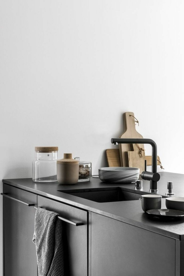 moderne küchen schwarze küchenschränke und weiße wände machen einen wunderbaren farbkontrast