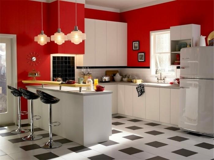 moderne küchen weiße küche mit roter wandfarbe