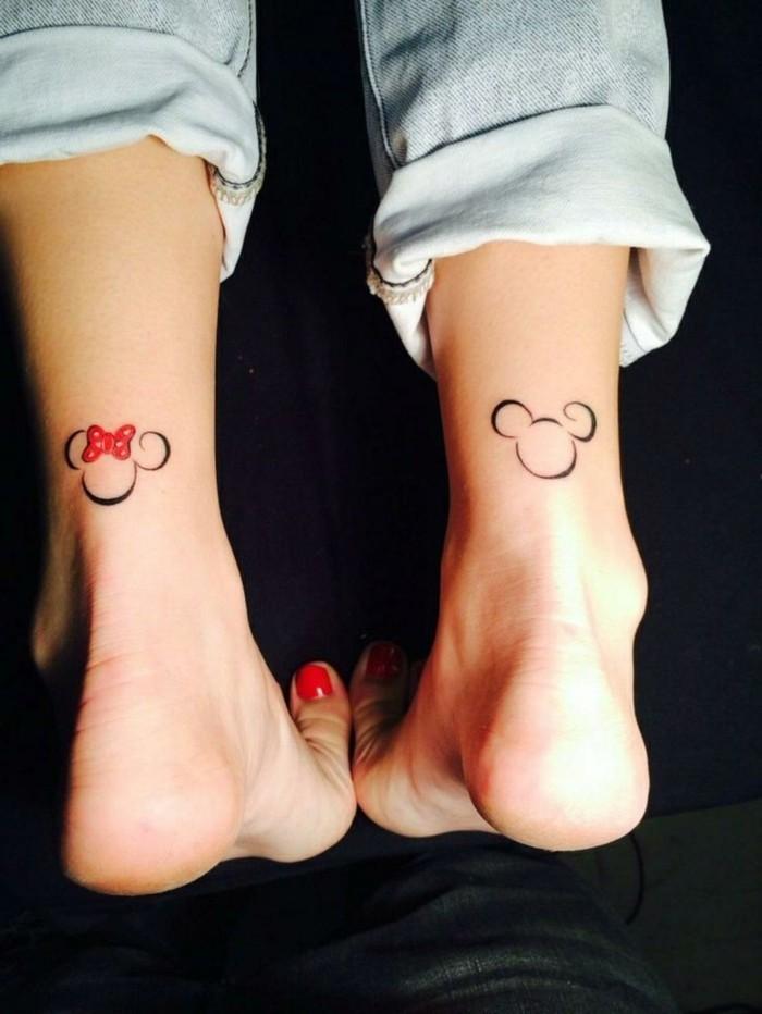 schöne tattoos für frauen mickey mouse
