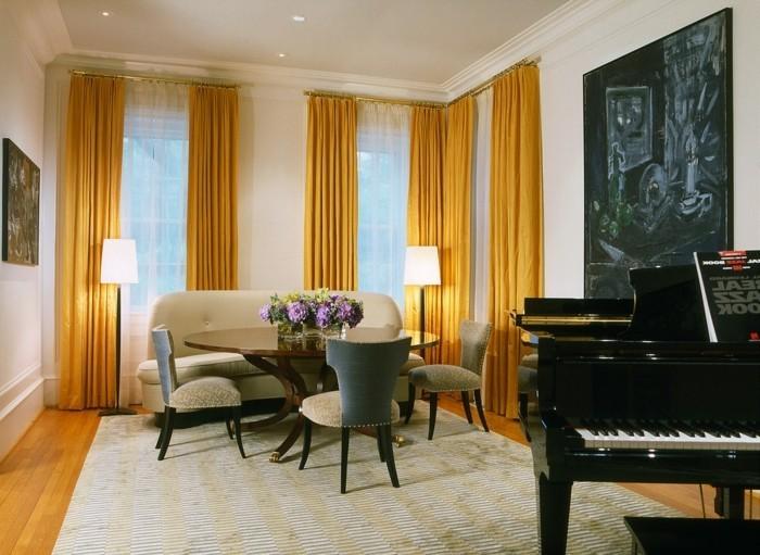 sichtschutz im wohnzimmer gelbe gardinen bringen stimmung und gemütlichkeit in diesen raum