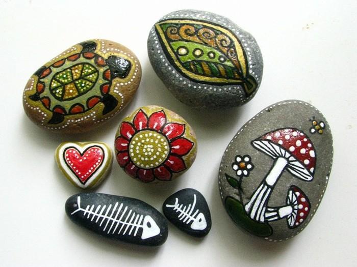 steine dekorieren mit farben malideen pilze schildkröte blätter