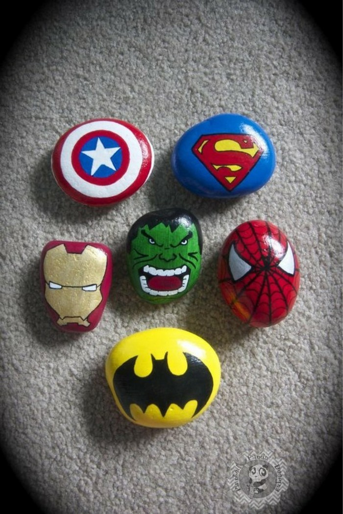 superheros steine bemalen motive batman spiderman hulk