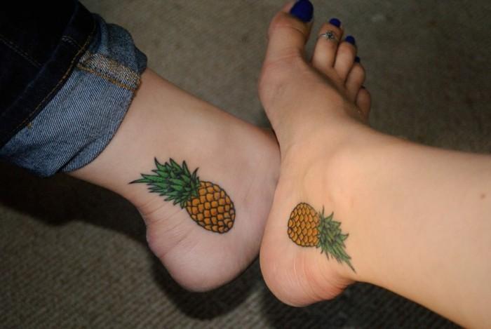 tattoo knöchel ananasse an beiden innenseiten