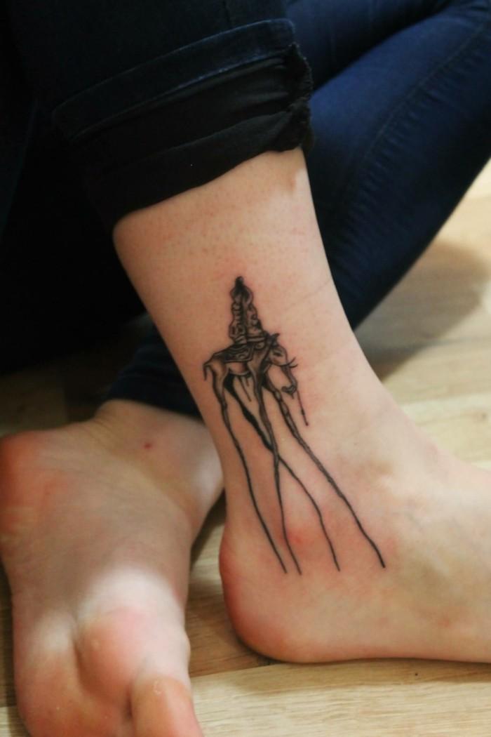 tattoo knöchel kreativ und beeindruckend