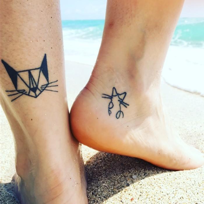 tattoo knöchel lustige ideen mit katzen
