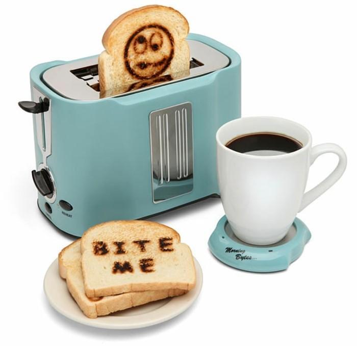 toaster brotscheiben rösten kaffee trinken frühstück