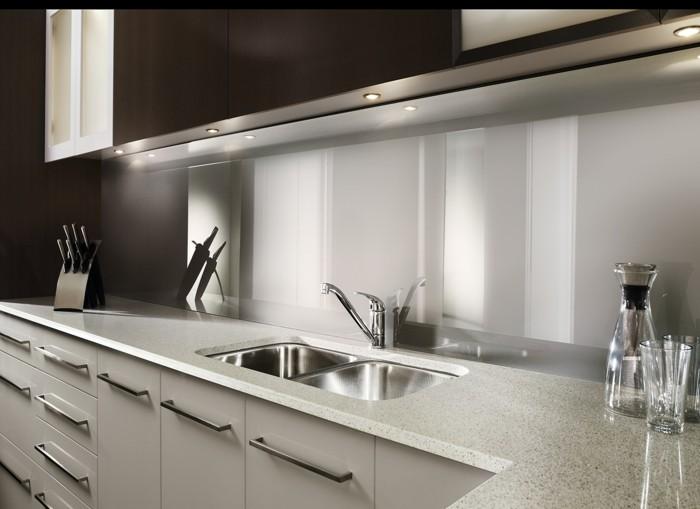 acrylglas zuschnitt und platten nach ma anwendungsbereiche und wichtige vorteile. Black Bedroom Furniture Sets. Home Design Ideas