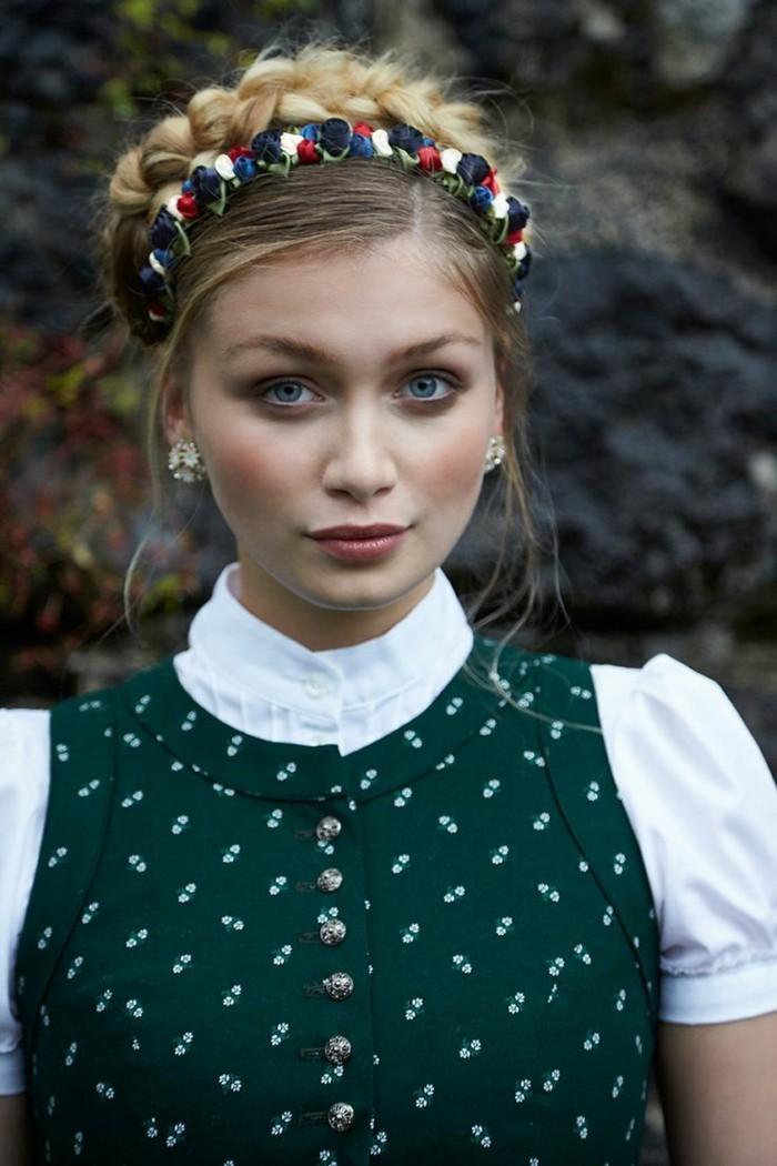 Oktoberfest Frisuren mit Anleitungen in Bildern zwei zöpfe hemd