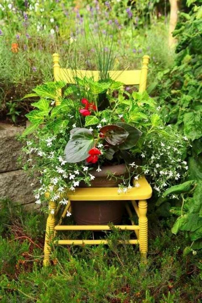 alter stuhl wird zu einem pflanzer