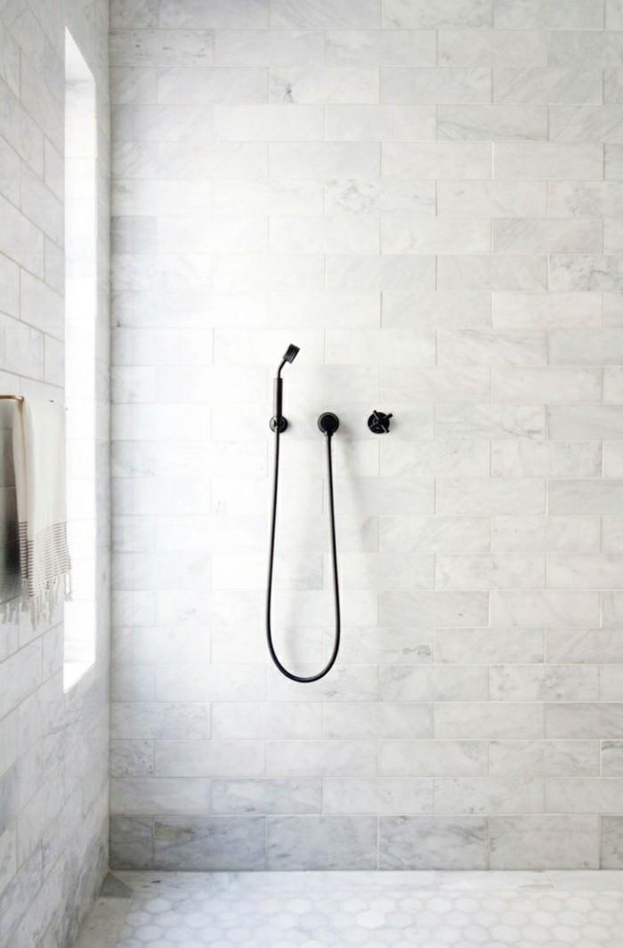Badezimmer Ideen Mit Moderner Dusche Und Hellen Badezimmerfliesen
