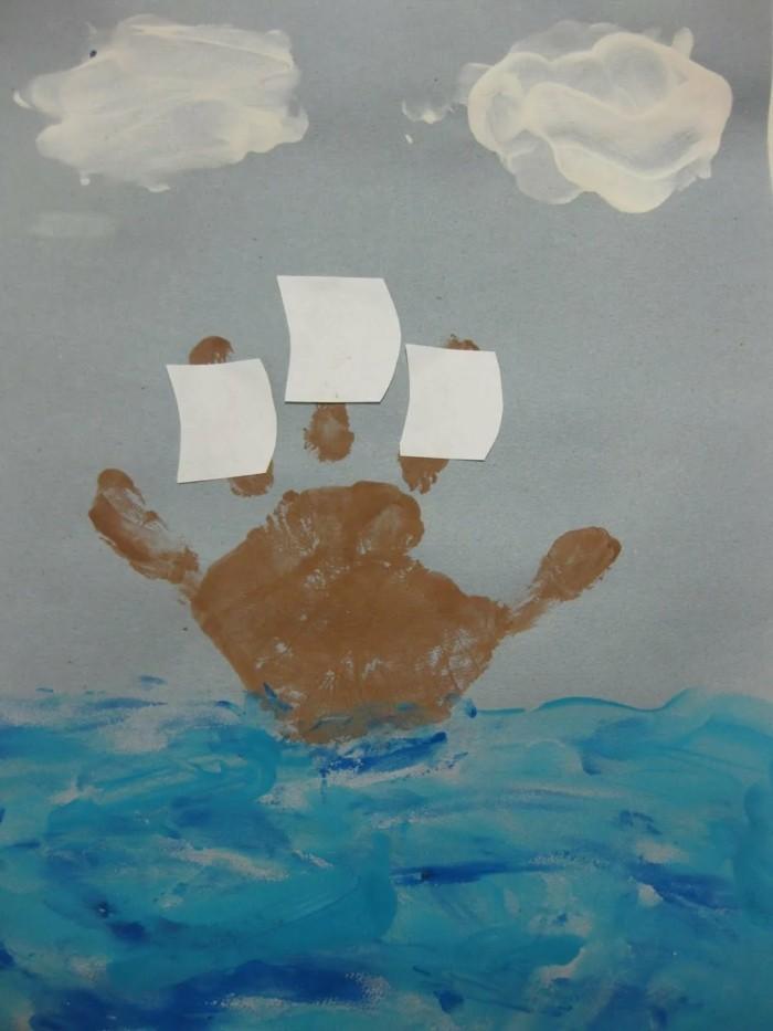 basteln mit kindern handabdruck in boot verwandeln