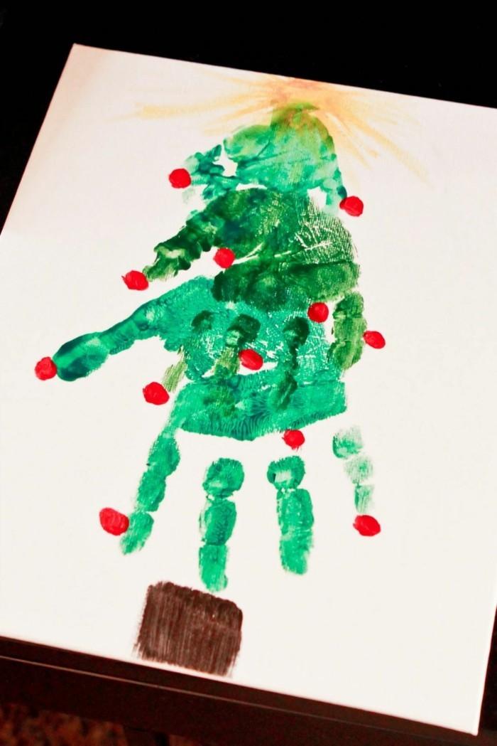 basteln mit kindern tannenbaum aus grünem handabdruck