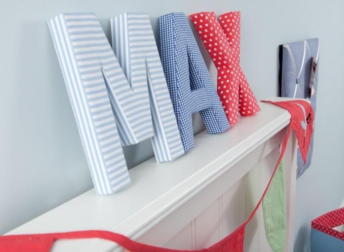 buchstaben deko aus stoff für das kinderzimmer