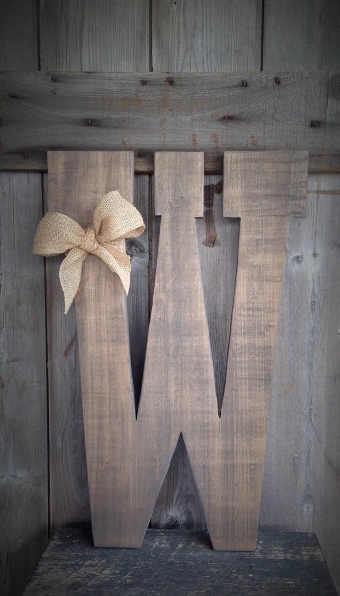 buchstaben deko für den garten rustikale dekoideen