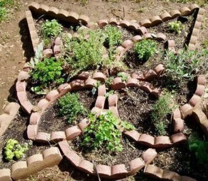 diy steinfigur und pflanzen drinnen
