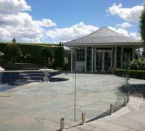 Beton und andere passende Materialien für moderne Gartenzäune