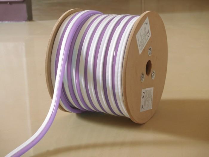 gartenschlauch mit kabeltrommel in lila und weiss