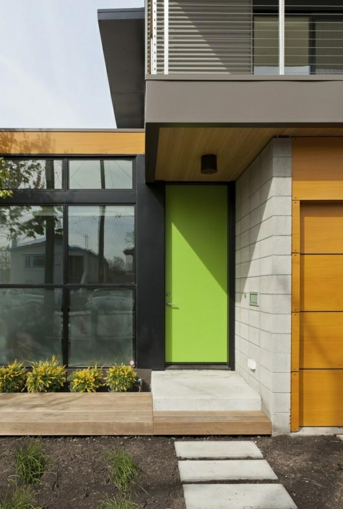 haustüren grüne haustür kontrastiert schön zur hausfassade