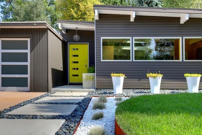 haustüren moderne grüne eingangstür belebt die hausfassade