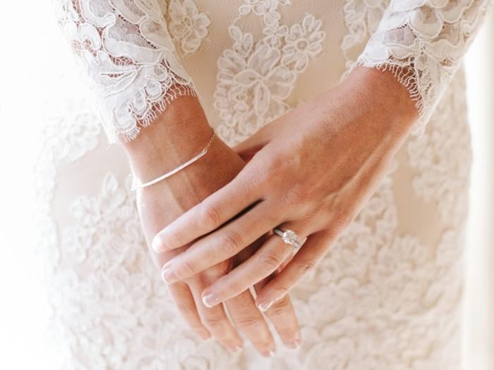 hochzeitskleid spitze diamantenring verlobungsring hochzeit