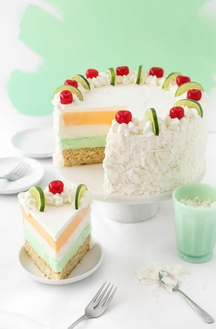 hochzeitstorte bilder farbige torte mit sommerfrüchten