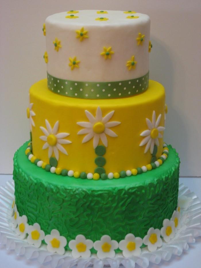 hochzeitstorte bilder gelb und grün mit kleinen blüten