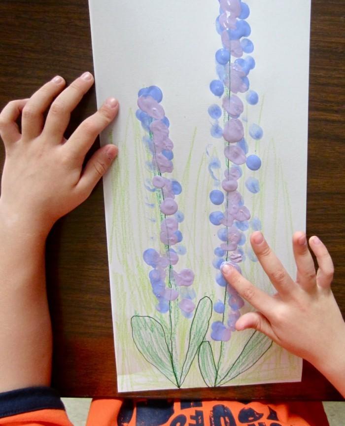 kreative bastelideen ausgefallene blumen mit fingerabdrücken selber machen