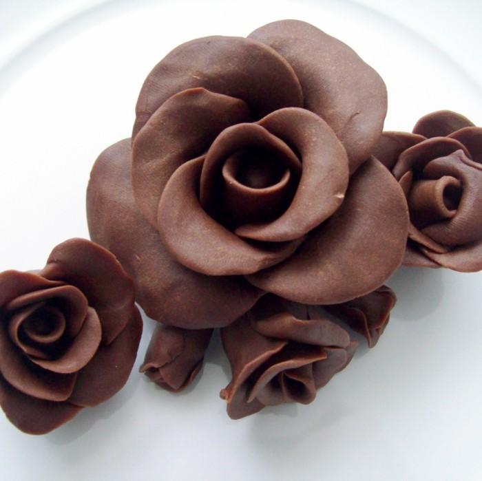 modellierschokolade vollmilch rosen zubereiten