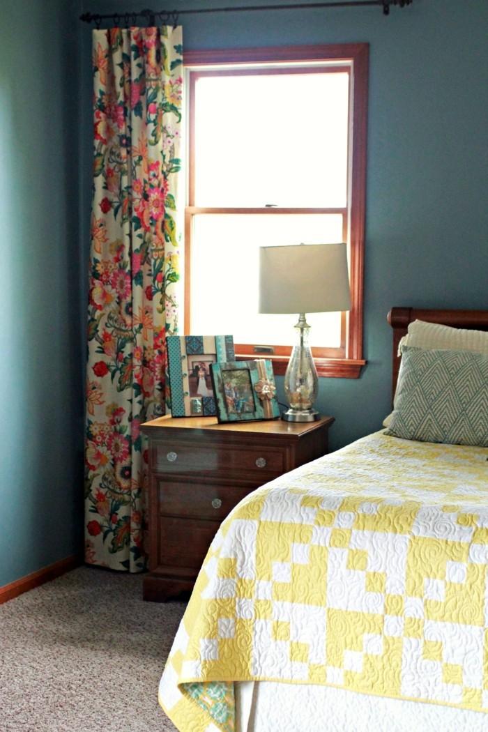 schlafzimmer einrichten farbige gardinen peppen das ambiente auf