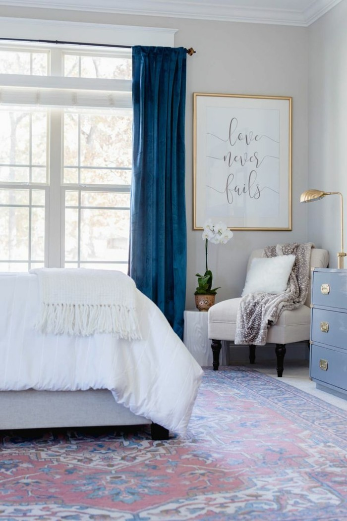 schlafzimmer einrichten vorhänge auswählen die sich auszeichnen