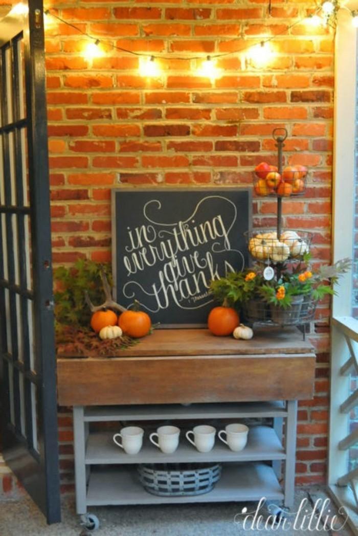 Stauraum Am Eingang Herbstlich Dekoriert