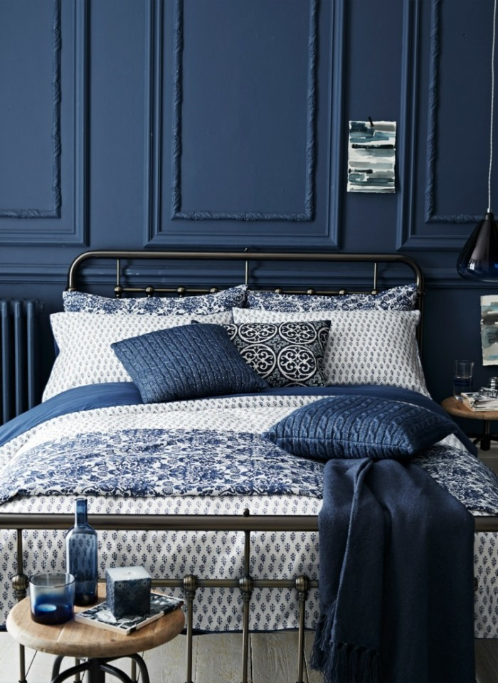 vintage schlafzimmer blautöne wandpaneele