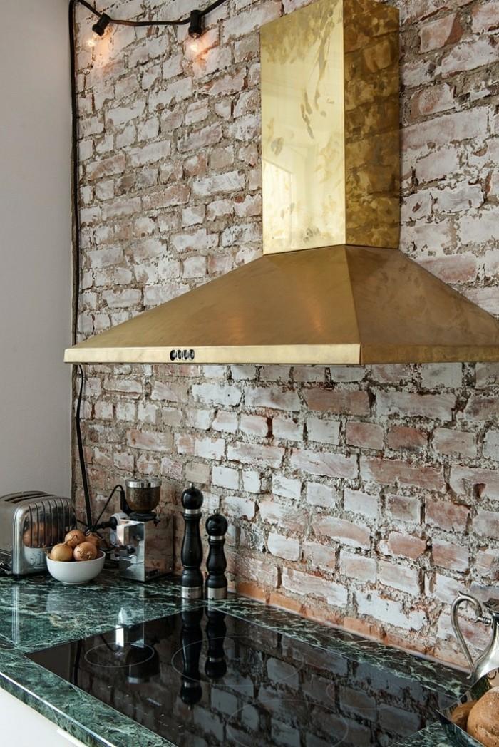 wohnideen küche backsteinwand und schöne arbeitsoberfläche