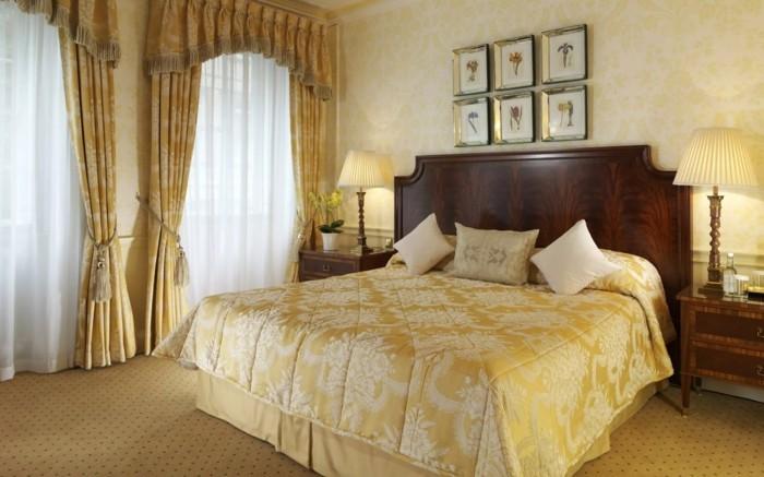 wohnideen schlafzimmer elegante vorhänge in hellen farbtönen