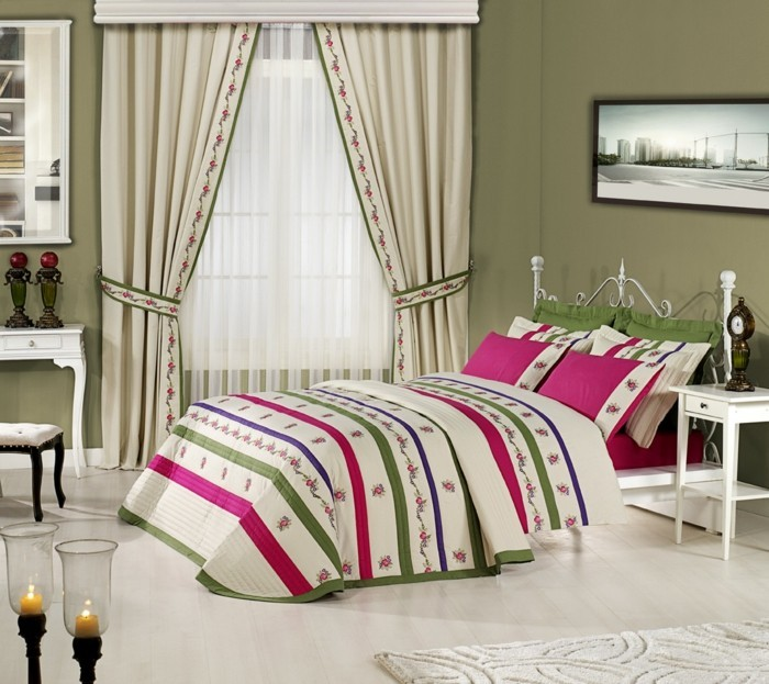 wohnideen schlafzimmer gardinen und bettwäsche schaffen ein wohnliches zuhause