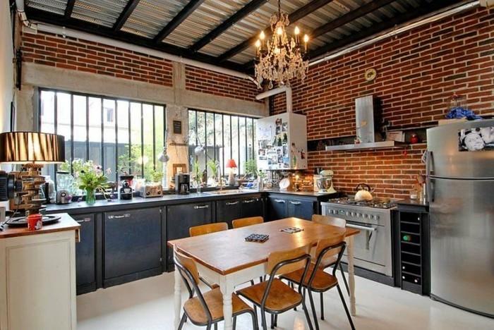 ziegelwand in der küche und moderne deckengestaltung